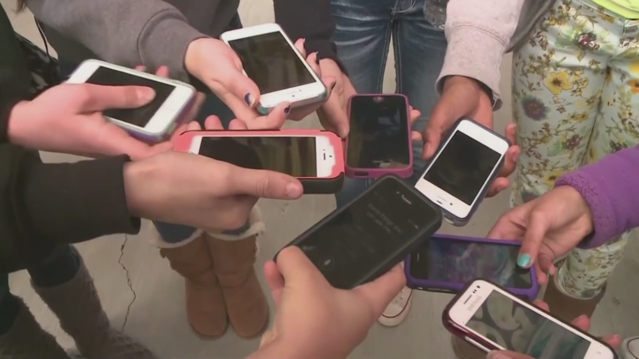 cell phones_94798