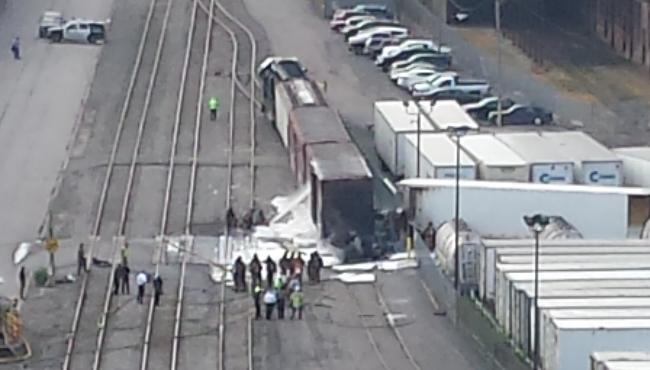 train truck crash_142109