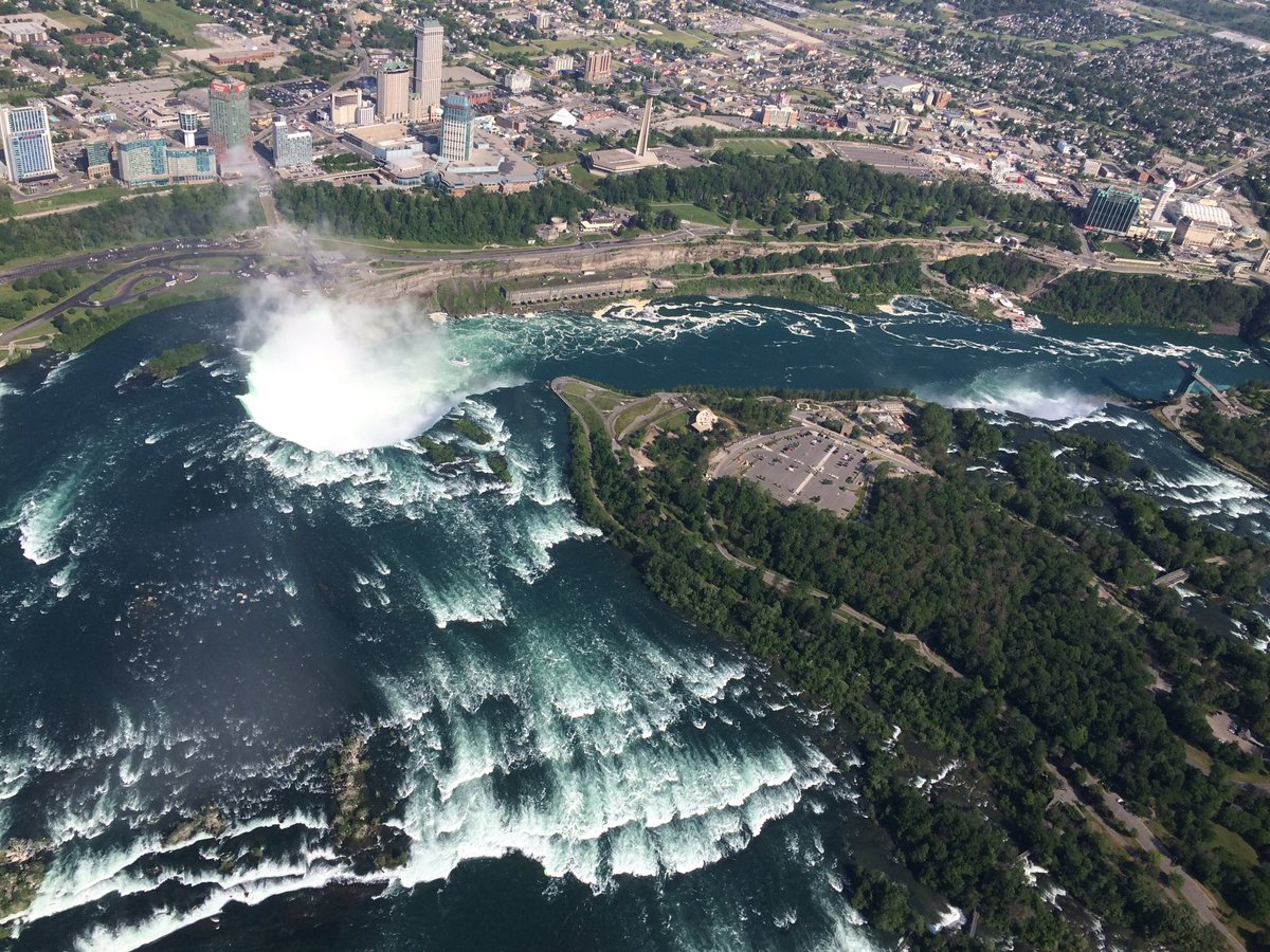 rainbow air over niagara falls_418572