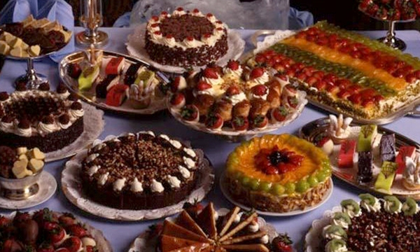 holiday-dessert-cakes-tortes-valentines-day-treat_1517004750799_336935_ver1-0_32742407_ver1-0_640_360_530783