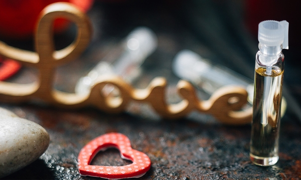 valentines-day-perfume-heart-love_1516311583260_334941_ver1-0_32059953_ver1-0_640_360_526161