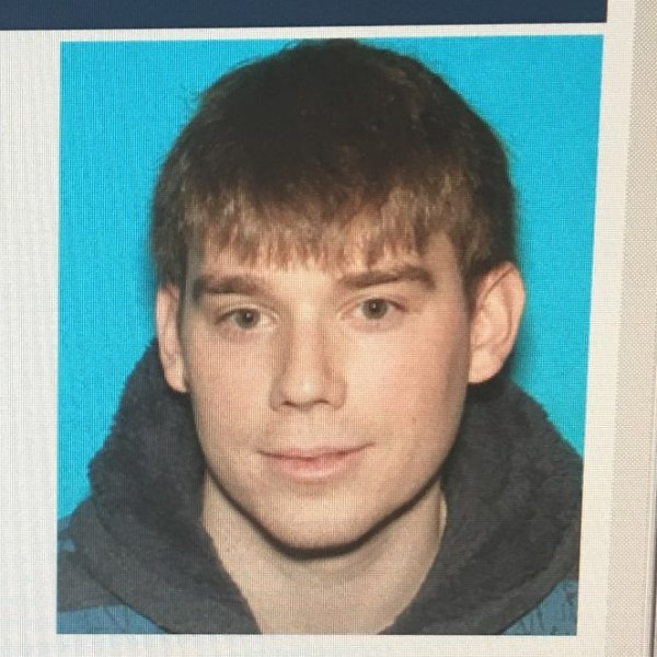 waffle house shooting person of interest_1524401320596.jpg.jpg