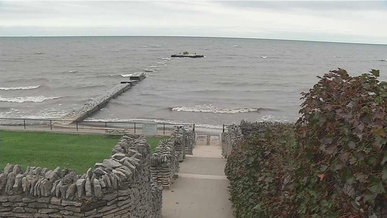 Child rescued from Lake Ontario