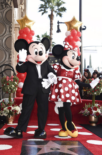 Minnie Mouse Honored with a Star on the Hollywood Walk of Fame_1542560812064
