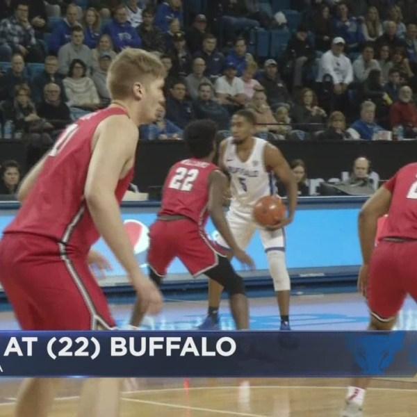 Bulls top Marist 76-49