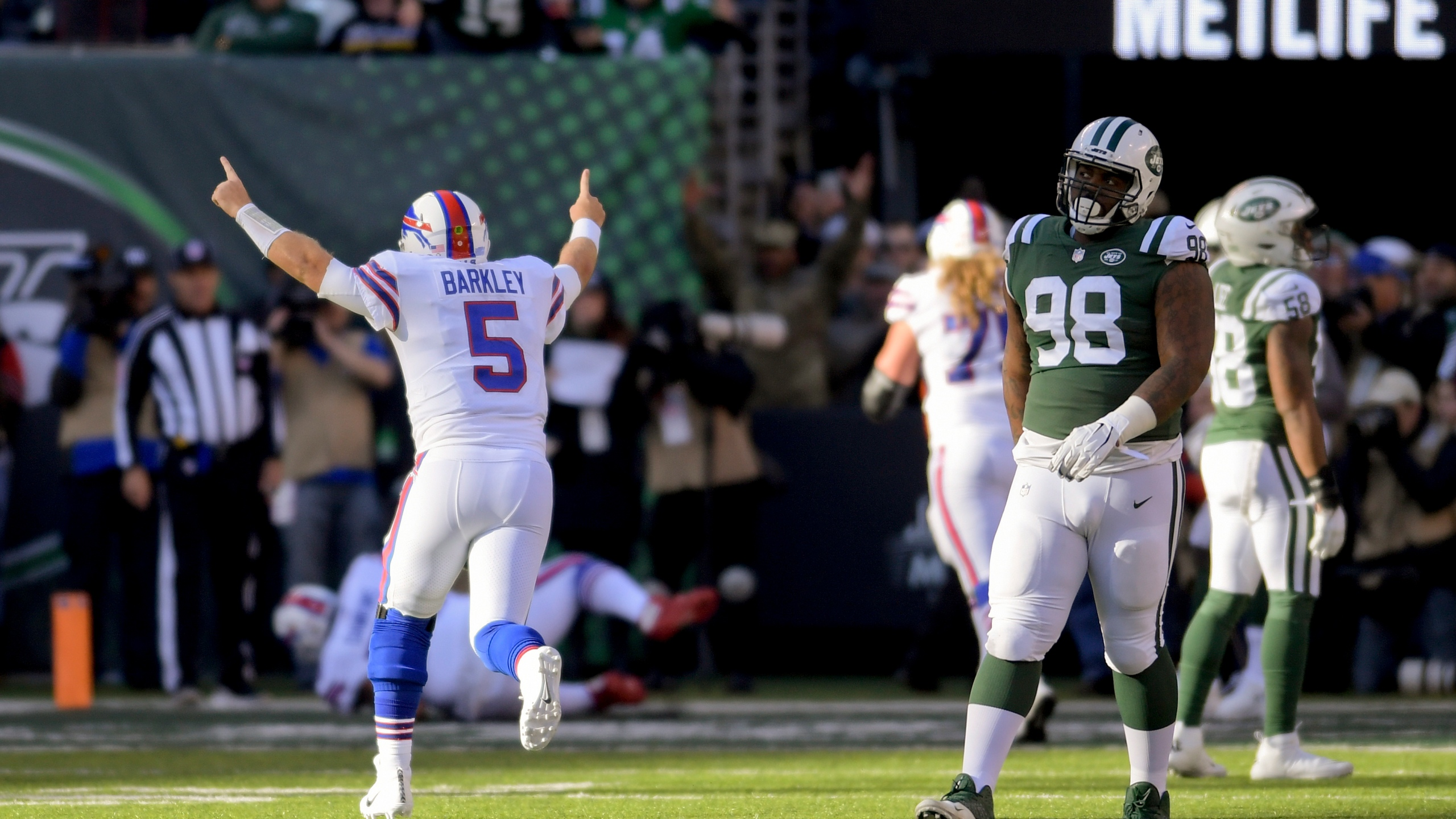 Bills Jets Football_1541970715214