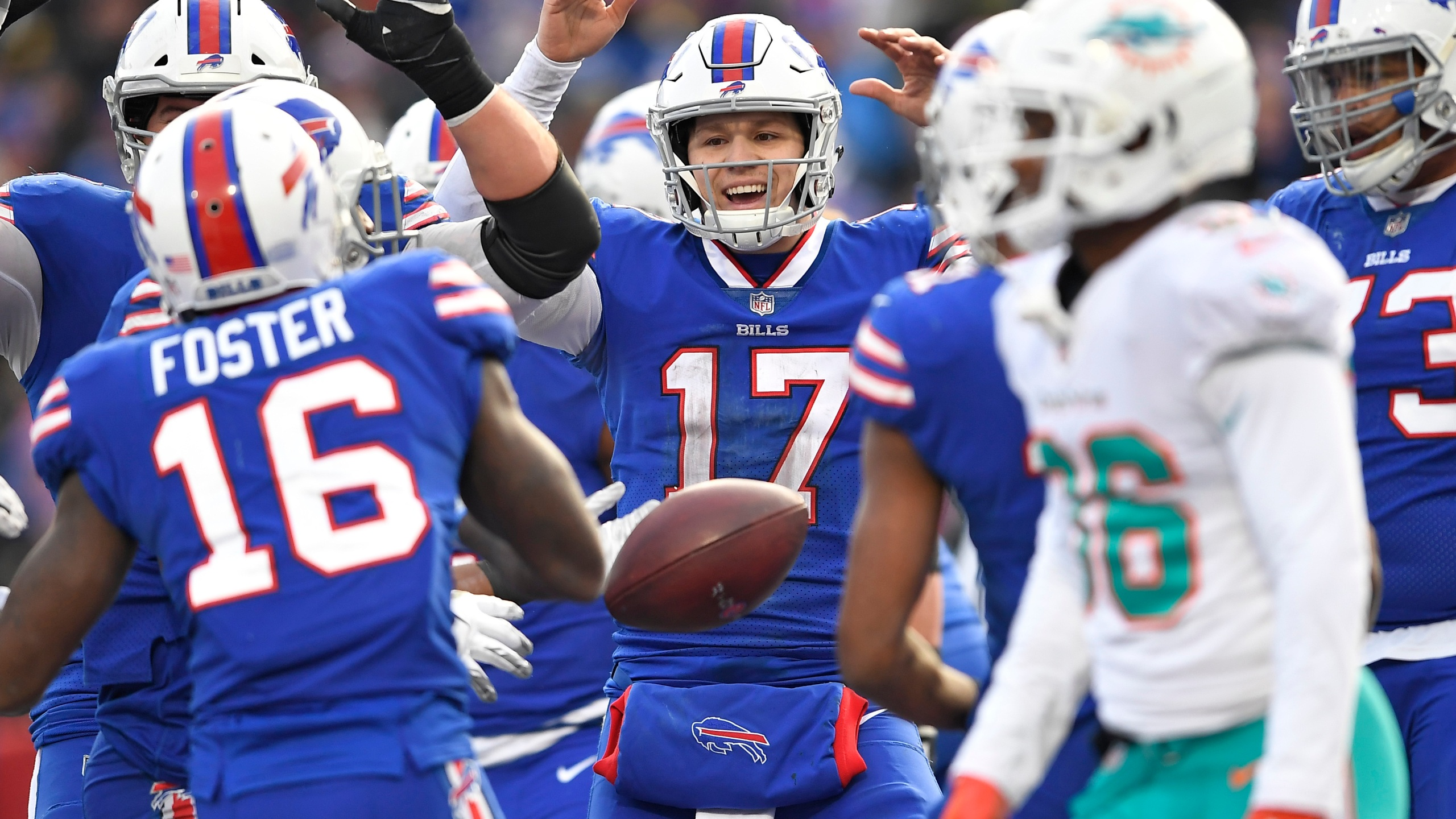 Dolphins Bills Football_1546202001005