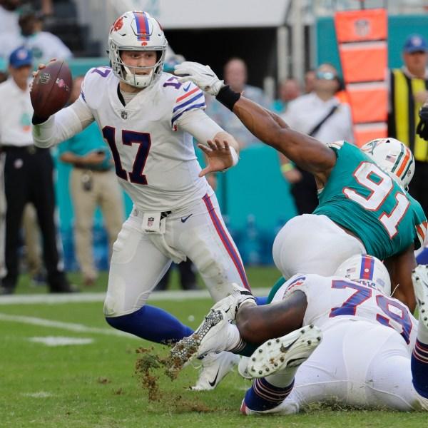 Bills Dolphins Football_1543783977586