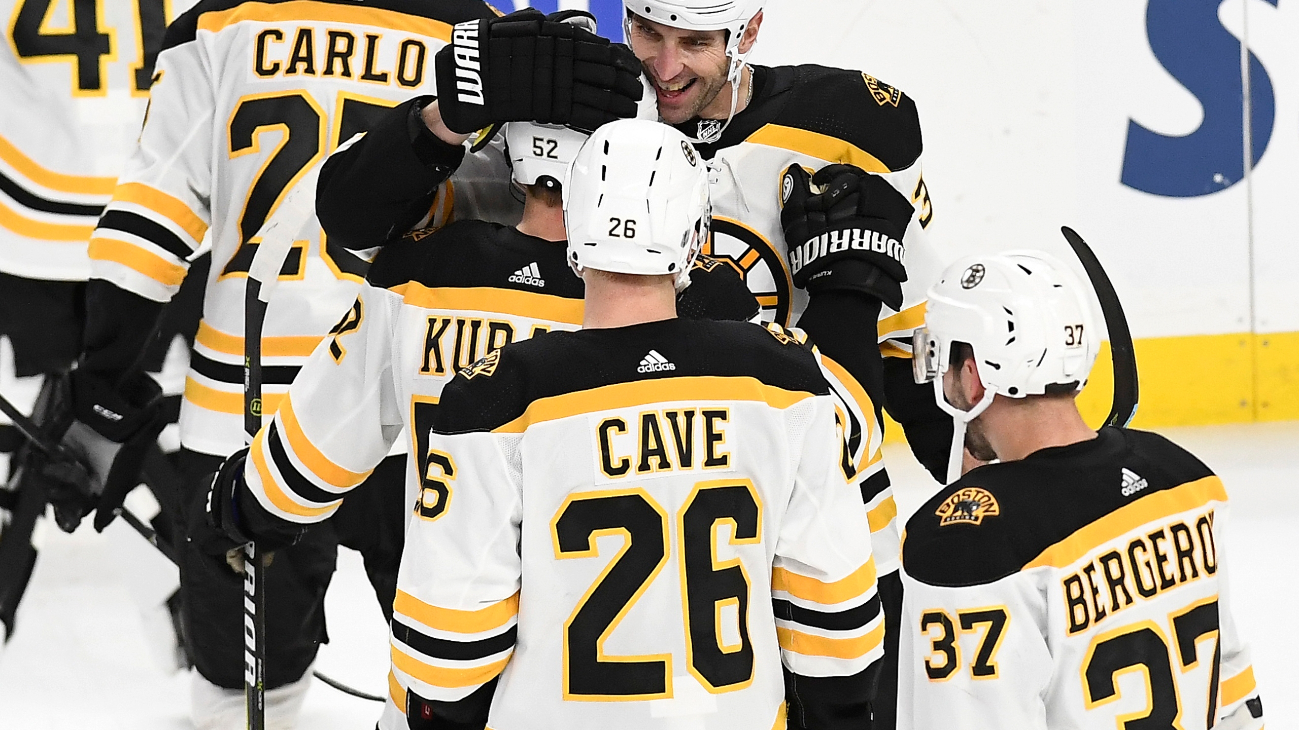 Bruins Sabres Hockey_1546143332805