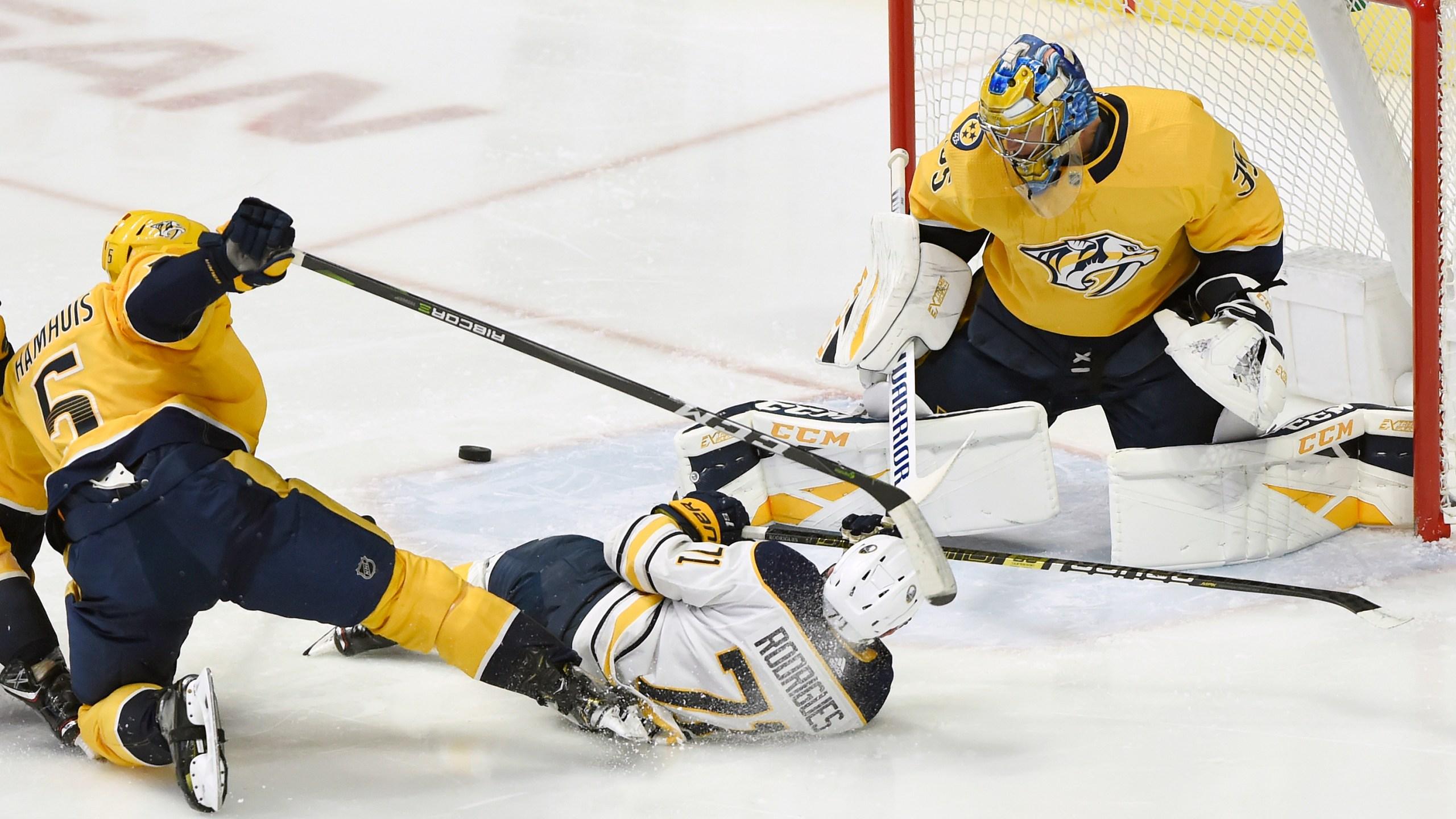 Sabres Predators Hockey_1543895237367