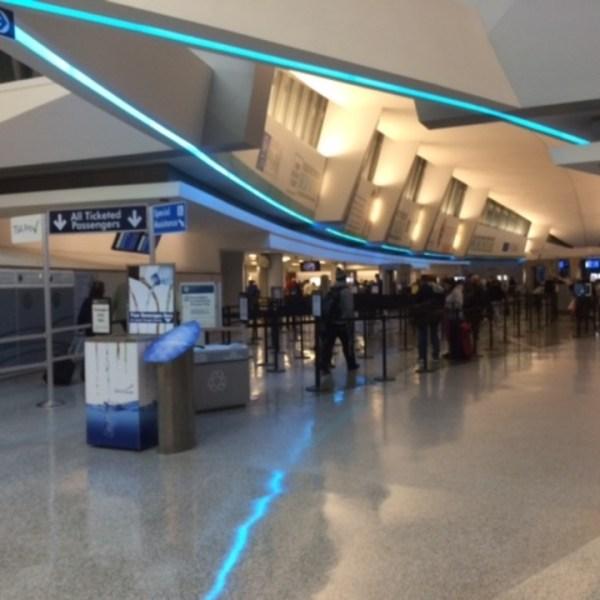 buffalo-niagara-airport-security-line_39119844_ver1.0_1280_720_1547927165198.jpg