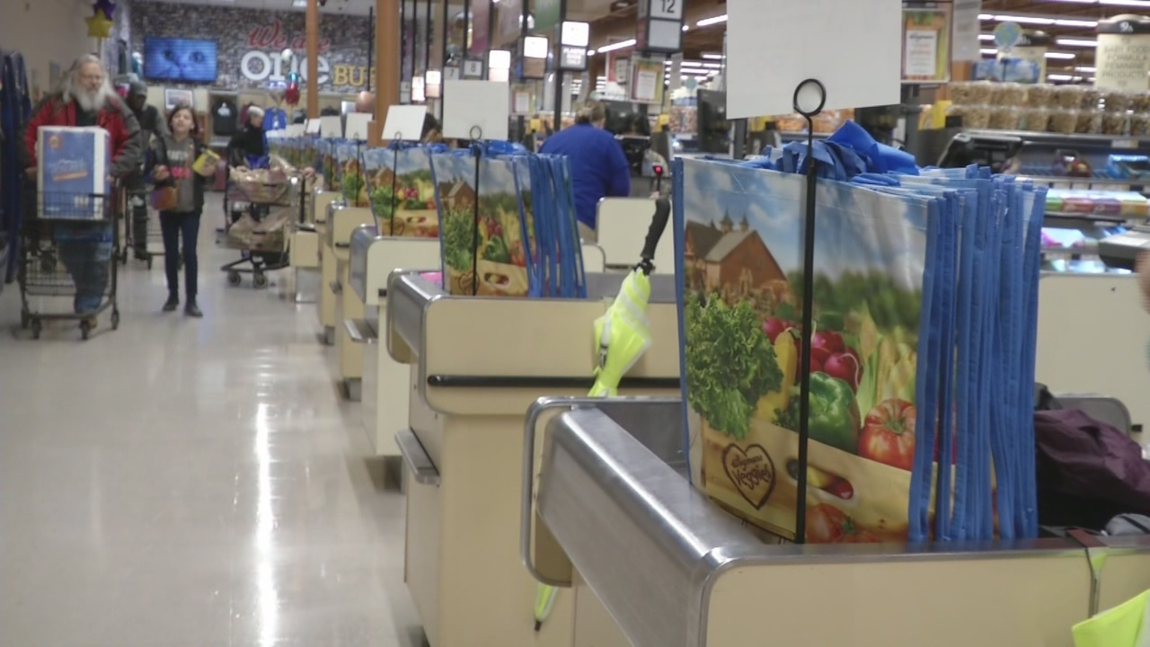wegmans to stop providing plastic bags at two upstate ny