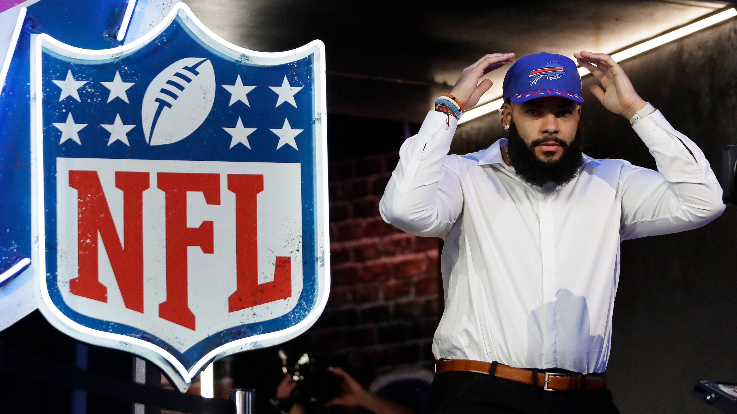 NFL Draft Football_1557441566656