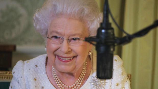queen-elizabeth-ii-queen-of-the-world-hbo-promo_1558126448310.jpg