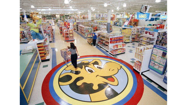 Toys R US Revival_1561161187749