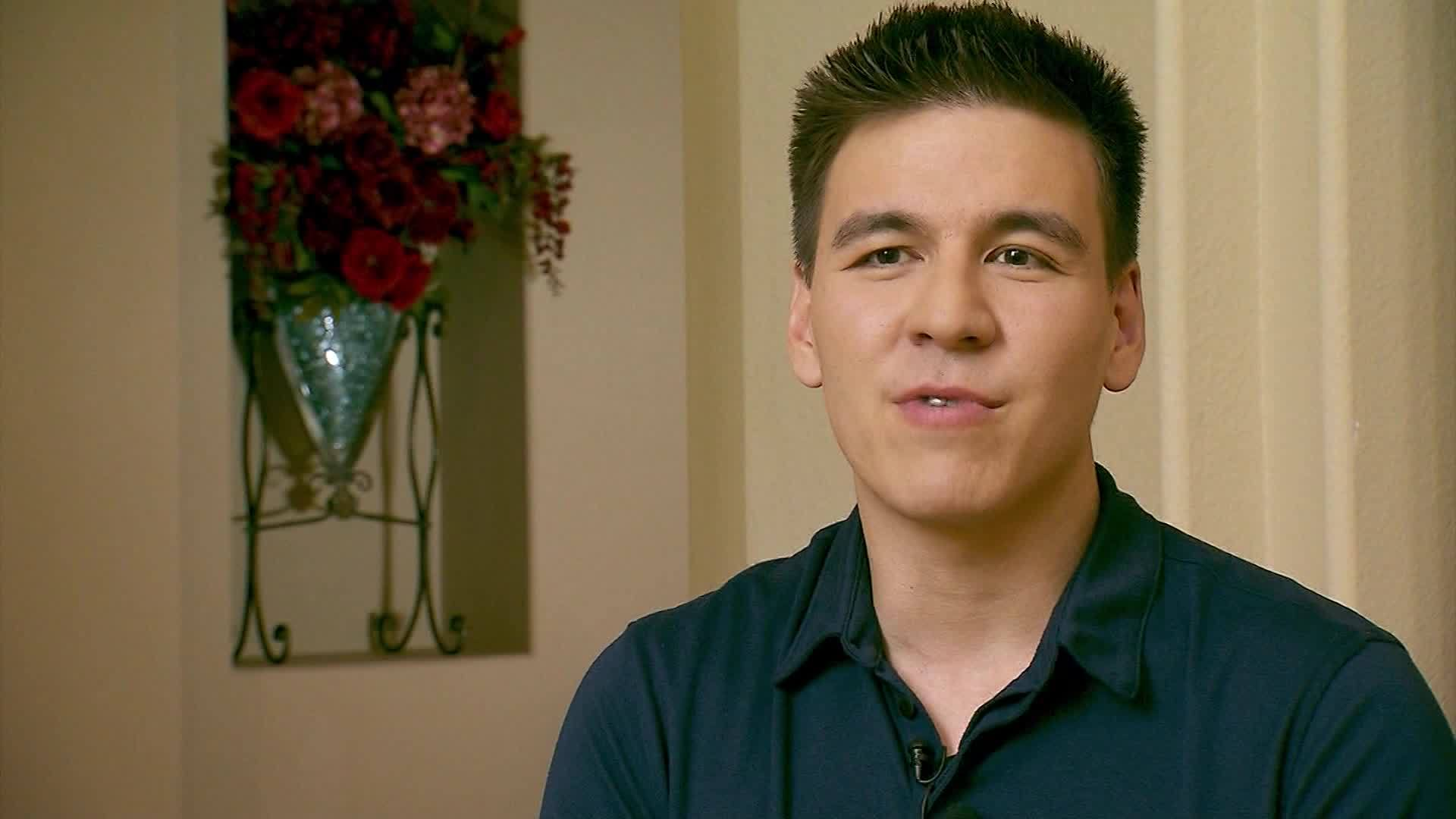 Holzhauer donates to cancer walk in Trebek's name