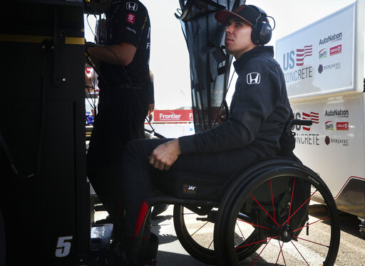 wickens to drive parade lap at toronto with hand controls