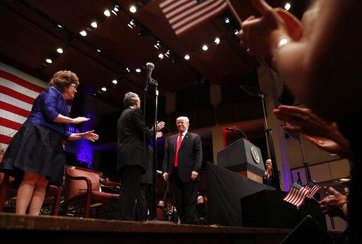 Donald Trump, Robert Jeffress