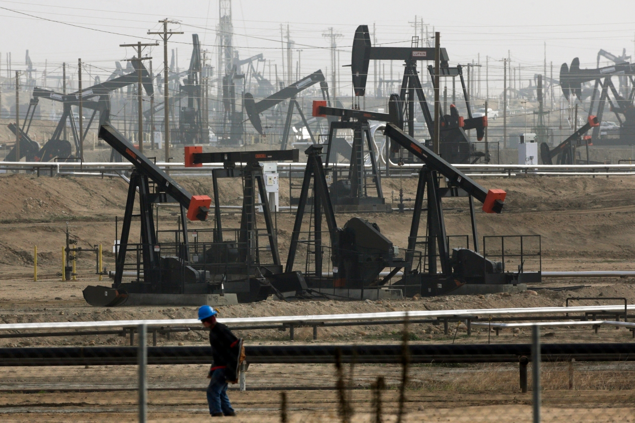 oil from federal lands tops 1b barrels as trump eases