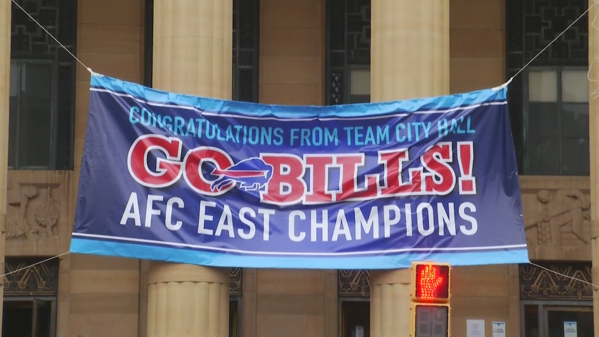 WATCH: Bills arrive at Buffalo Airport after clinching AFC East title |  News 4 Buffalo