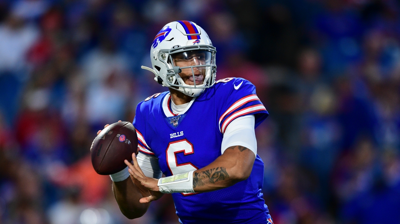Eagles Sign Ex-Bills QB Tyree Jackson to Futures Contract to Play TE