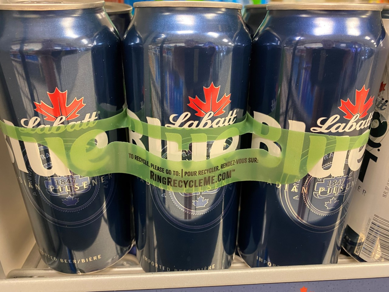 Labatt is replacing plastic rings on six-packs with eco-friendly version