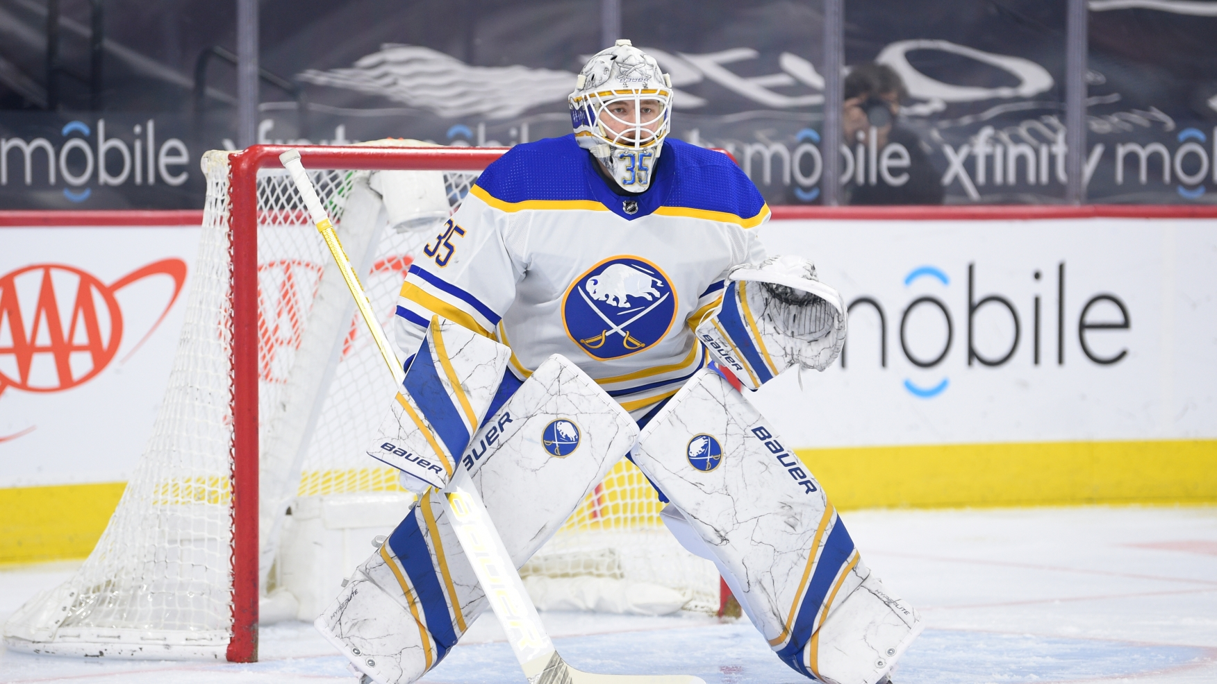 Sabres trying to sign Linus Ullmark as NHL free agency approaches